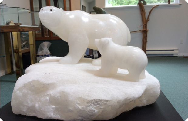 Polar Bear and Cub - One Piece - Medium: Italian Alabaster